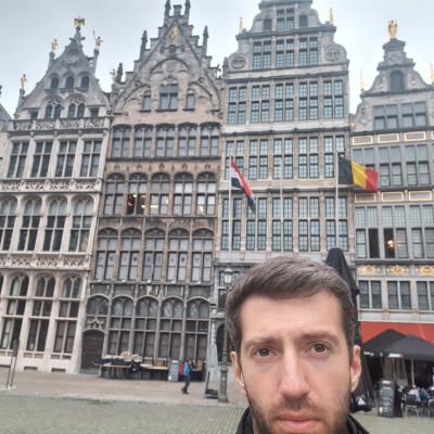 Simon zoekt een Studio in Antwerpen